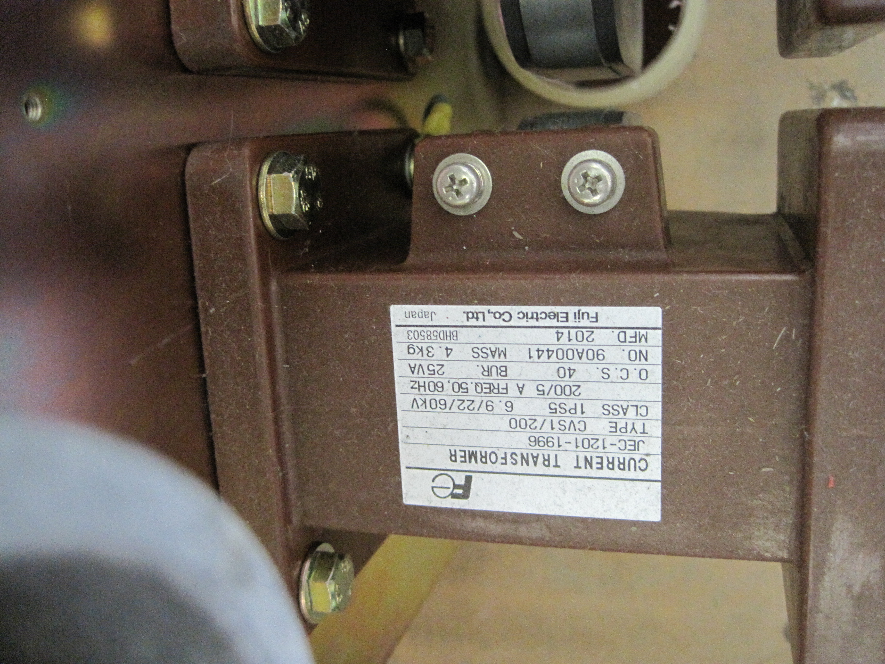 FUJI vacuum contactor current transformer